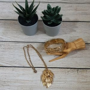 Vintage Gold Necklace and Bracelet